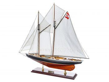 Maquette d'exposition entièrement montée - Mistral Maquettes – Bluenose - 81 cm - vue latérale bâbord arrière