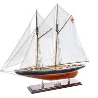 Maquette d'exposition entièrement montée - Mistral Maquettes – Bluenose - 81 cm - vue latérale bâbord avant