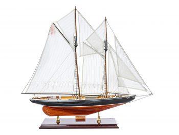 Maquette d'exposition entièrement montée - Mistral Maquettes – Bluenose - 81 cm - vue latérale tribord