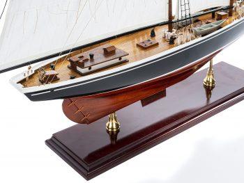 Maquette d'exposition entièrement montée - Mistral Maquettes – Bluenose - 81 cm - vue plongeante tribord