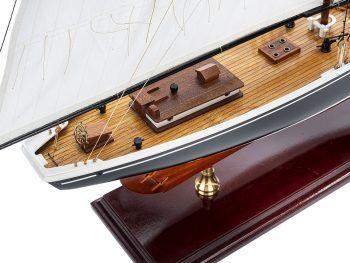 Maquette d'exposition entièrement montée - Mistral Maquettes – Bluenose - 81 cm - vue plongeante tribord arrière