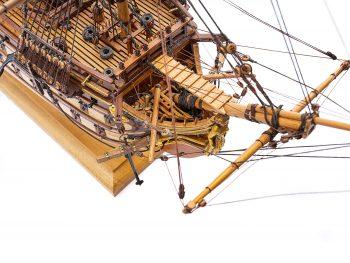 Maquette de collection - Mistral Maquettes - La Bretagne - 92 cm - vue plongeante tribord proue