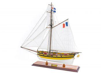 Maquette d'exposition entièrement montée - Mistral Maquettes - Le Renard - 64 cm - vue latérale bâbord arrière