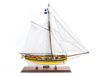 Maquette d'exposition entièrement montée - Mistral Maquettes - Le Renard - 64 cm - vue latérale tribordMaquette d'exposition entièrement montée -