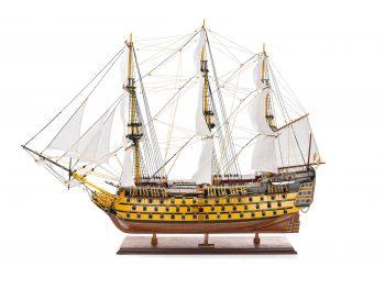 Maquette d'exposition entièrement montée - Mistral Maquettes - Victory - 98 cm - Vue latérale bâbord