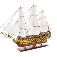 Maquette d'exposition entièrement montée - Mistral Maquettes - Victory - 98 cm - Vue latérale bâbord avant