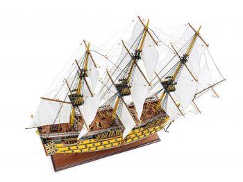 Maquette d'exposition entièrement montée - Mistral Maquettes - Victory - 98 cm - Vue plongeante globale