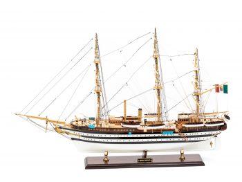 Maquette d'exposition entièrement montée - Mistral Maquettes – Amerigo Vespucci - 90 cm – vue bâbord