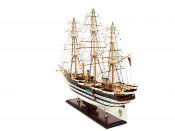 Maquette d'exposition entièrement montée - Mistral Maquettes – Amerigo Vespucci - 90 cm – vue globale bâbord arrière