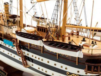 Maquette d'exposition entièrement montée - Mistral Maquettes – Amerigo Vespucci - 90 cm – vue bâbord arrière