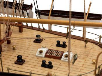 Maquette d'exposition entièrement montée - Mistral Maquettes – Amerigo Vespucci - 90 cm – gros plan pont arrière