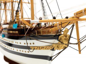 Maquette d'exposition entièrement montée - Mistral Maquettes – Amerigo Vespucci - 90 cm – Figure de proue