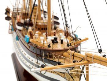 Maquette d'exposition entièrement montée - Mistral Maquettes – Amerigo Vespucci - 90 cm – vue détaillée beaupré