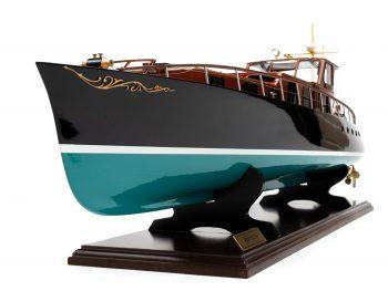Maquette en bois entièrement montée - Mistral Maquettes – Yacht Aphrodite - 90 cm - vue bâbord avant étrave