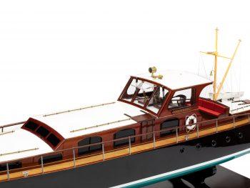 Maquette en bois entièrement montée - Mistral Maquettes – Yacht Aphrodite - 90 cm - vue bâbord cabine centrale