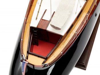 Maquette en bois entièrement montée - Mistral Maquettes – Yacht Aphrodite - 90 cm - vue pont arrière
