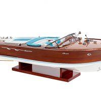 Maquette de collection montée du canot à moteur Aquarama avec sellerie bleue, vue d'ensemble
