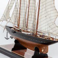 Maquette de collection montée de la goélette Atlantic (78 cm), vue d'ensemble babord arrière