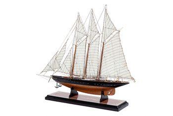 Maquette de collection montée de la goélette Atlantic (78 cm), vue d'ensemble