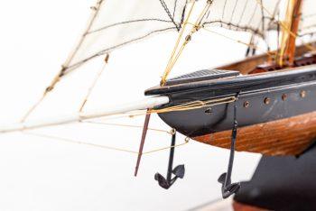 Maquette de collection montée de la goélette Atlantic (78 cm), gros plan de l'étrave