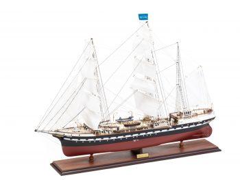 Maquette d'exposition entièrement montée – Mistral Maquettes - Belem (1/75 ème - 81 cm ) - vue globale bâbord