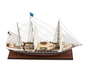 Maquette d'exposition entièrement montée – Mistral Maquettes - Belem (1/75 ème - 81 cm ) - vue plongeante globale