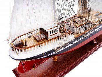 Maquette d'exposition entièrement montée – Mistral Maquettes - Belem (1/75 ème - 81 cm) - vue latérale tribord arrière