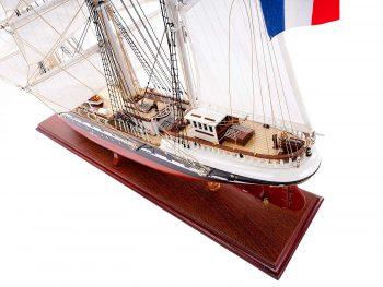 Maquette d'exposition entièrement montée – Mistral Maquettes - Belem (1/75 ème - 81 cm) - vue plongeante latérale arrière babord