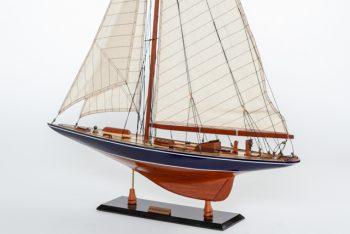 Maquette de collection montée de l'Endeavour (60 cm), vue babord