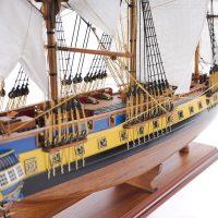 Maquette de collection montée du galion Hermione (75 cm), vue latérale tribord