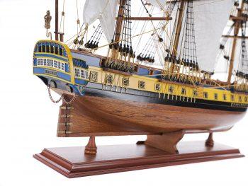 Maquette d'exposition entièrement montée – Mistral Maquettes – Frégate Hermione (75 cm), vue bâbord arrière