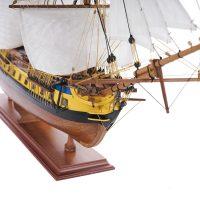 Maquette de collection montée du galion Hermione (75 cm), vue tribord de le proue