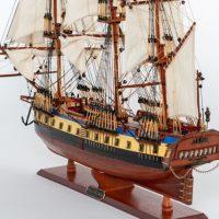 Maquette de collection montée du galion Hermione (75 cm), vue d'ensemble babord arrière