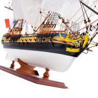 Maquette de collection montée de l'Hermione Musée (1/89 ème - 74 cm ) - vue latérale tribord avant