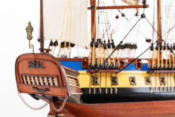 Maquette de collection montée du galion Hermione (75 cm), vue détaillée de la poupe