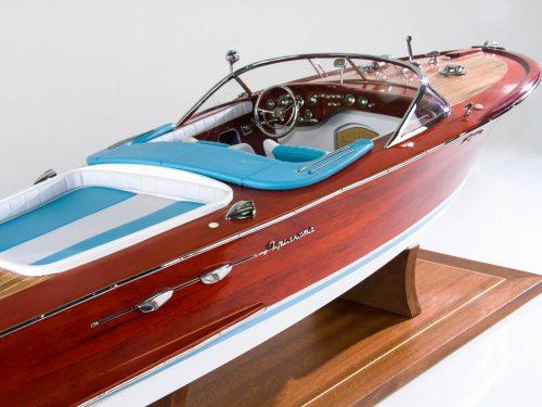 Maquette d'exposition entièrement montée – Mistral Maquettes - Aquarama Bleu - 90 cm - vue arrière tribord
