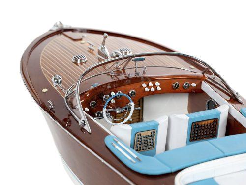 Maquette d'exposition entièrement montée - Mistral Maquettes - Aquarama Bleu 90 cm - vue babord détail cockpit