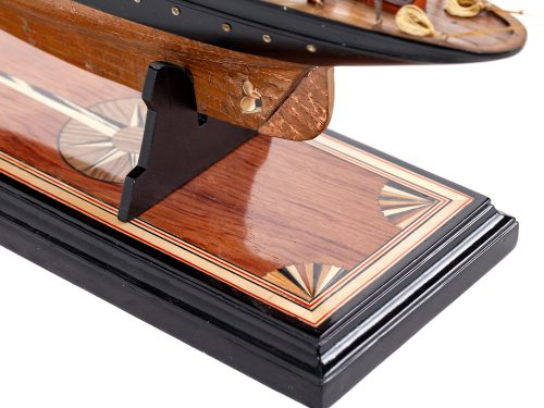 Maquette d'exposition entièrement montée – Mistral Maquettes - Atlantic - 78 cm - vue marqueterie socle