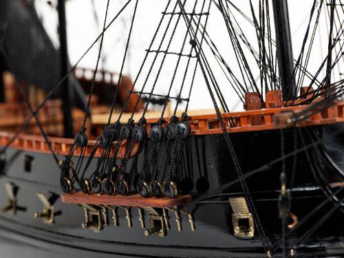 Maquette d'exposition entièrement montée – Mistral Maquettes - Black Pearl - 88 cm - vue détaillée tribord