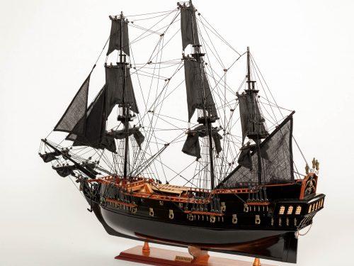 Maquette d'exposition entièrement montée – Mistral Maquettes - Black Pearl - 88 cm - vue globale babord