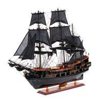 Maquette d'exposition entièrement montée – Mistral Maquettes - Black Pearl - 88 cm - vue latérale babord