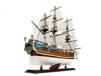Maquette d'exposition entièrement montée - Mistral Maquettes - Le Bounty - 72 cm - vue globale tribord arrière