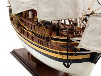 Maquette d'exposition entièrement montée - Mistral Maquettes - Le Bounty - 72 cm - vue plongeante proue tribord