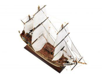 Maquette d'exposition entièrement montée - Mistral Maquettes - Le Bounty - 72 cm - Vue plongeante globale