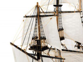 Maquette d'exposition entièrement montée - Mistral Maquettes - Le Bounty - 72 cm - détail hune de mâts