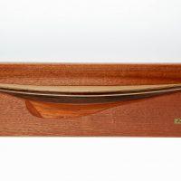 Maquette d'exposition entièrement montée – Mistral Maquettes - Demi coque Endeavour bois - vue plongeante