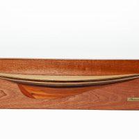 Maquette d'exposition entièrement montée – Mistral Maquettes - Demi coque Shamrock bois - vue plongeante