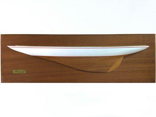 Maquette d'exposition entièrement montée – Mistral Maquettes - Demi coque Shamrock peinte