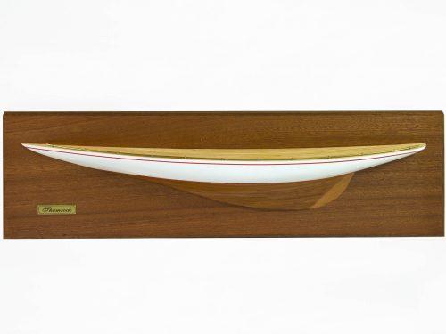 Maquette d'exposition entièrement montée – Mistral Maquettes - Demi coque Shamrock peinte - vue plongeante