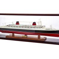 Maquette d'exposition entièrement montée – Mistral Maquettes - France avec vitrine - 104 cm - vue globale tribord